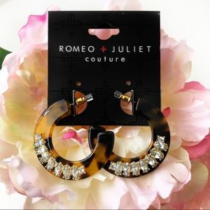 NWT Romeo & Juliet Couture Resin Earrings